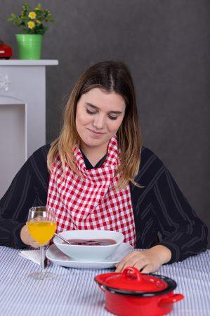 Női étkező mellény-piroskockás